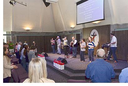 Barnes_Dave_Asbury_worship_team_400w_265h_10pb_10pl