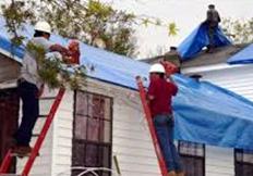 umcor_tarping_roof